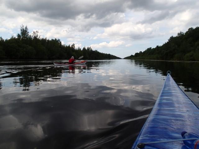 Kymmenen kilometrin suora kanavassa