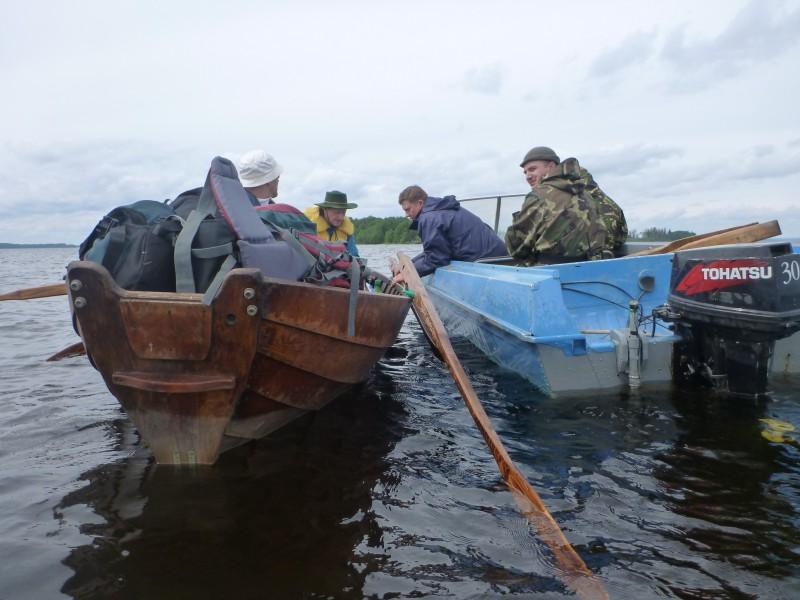 Kalastuksen valvojat tarkistamassa onko verkkoja?!