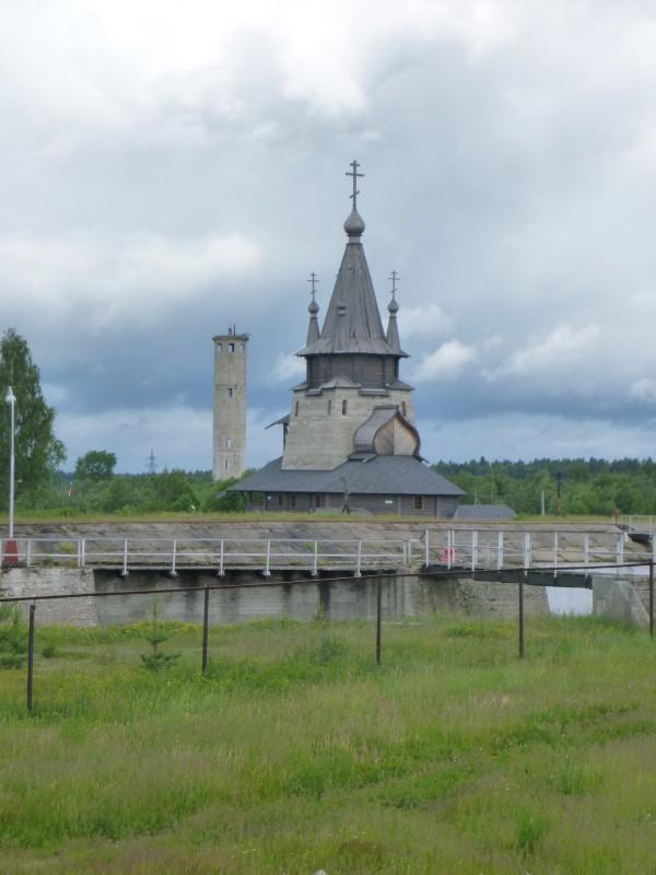 Poventsan ortodoksinen kirkko. Rakennettu 2004 (betoni). Pyhitetty Nikolaille