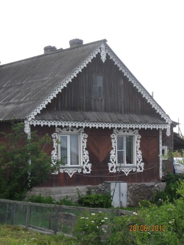 Poventsa - paikallisen talon koristeita
