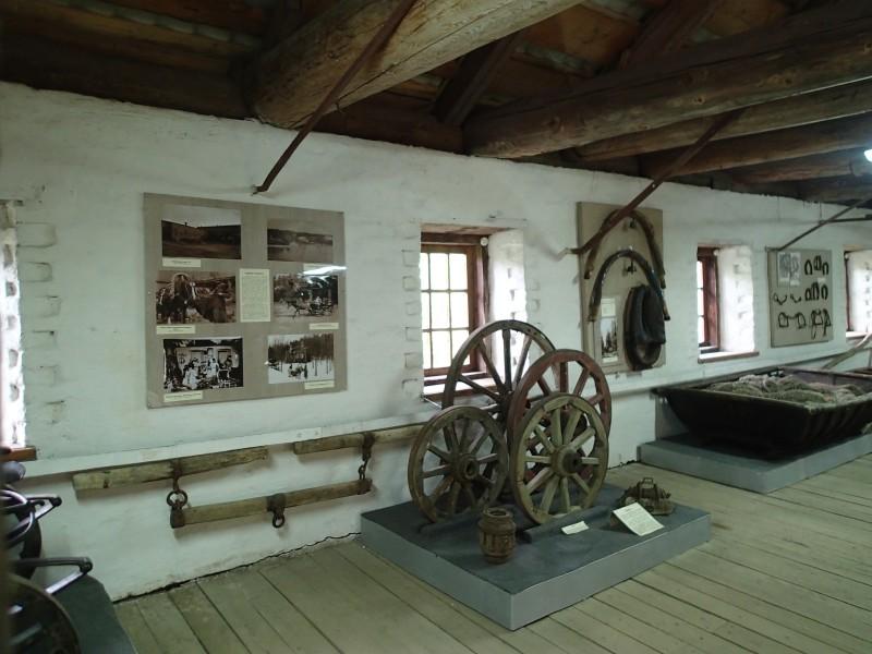 Valamon museo on viehättävästi rakennettu hevostallin vintille
