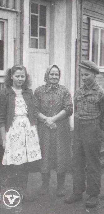 Kirsti,Lyydi ja Ernesti